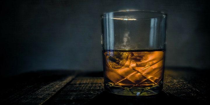アルコール デパス